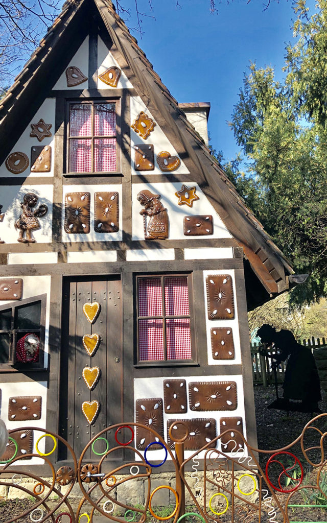 hansel and gretel gingerbread house ludwigsburg fairy tale gardens 2019